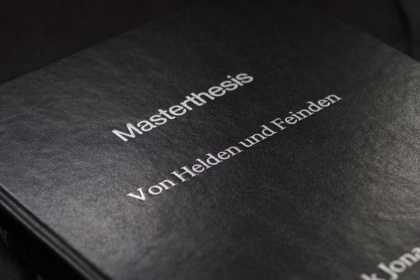 Presentation media